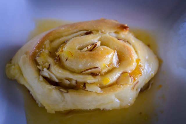 """Orange Marmalade and Almond Sweet Rolls 
